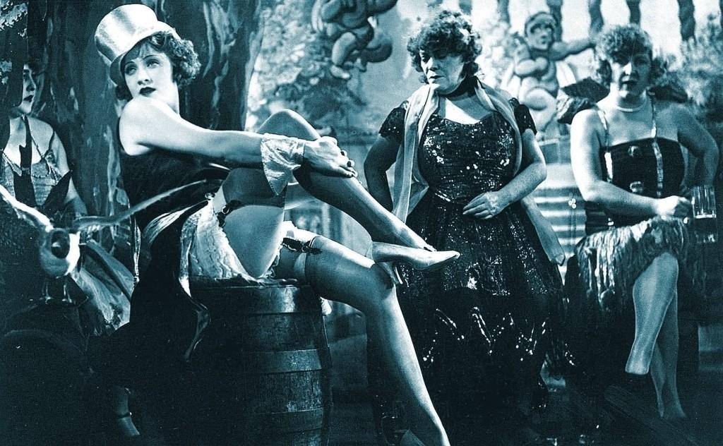 Marlene Dietrich in The Blue Angel (Der blaue Engel) (1930) - cropped, tinted