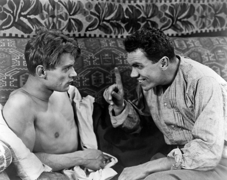 Vladimir Fogel and Nikolai Batalov in Bed and Sofa (1927)