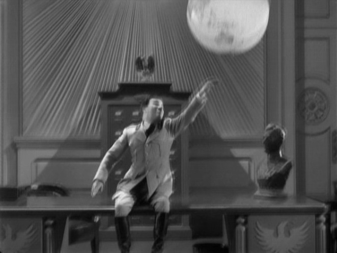 The Great Dictator (1940) US (mk2/Warner) region 1 DVD screengrab – note motion blurring due to incorrect PAL-NTSC transfer
