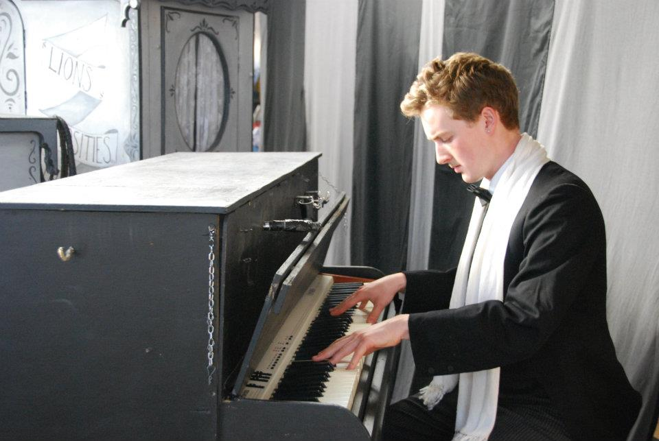 Seamas Carey playing his keyboard-cum-piano