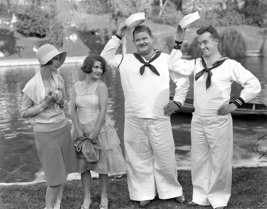 Gloria Greer, Anne Cornwall, Oliver Hardy and Stan Laurel in Men O' War (1929)
