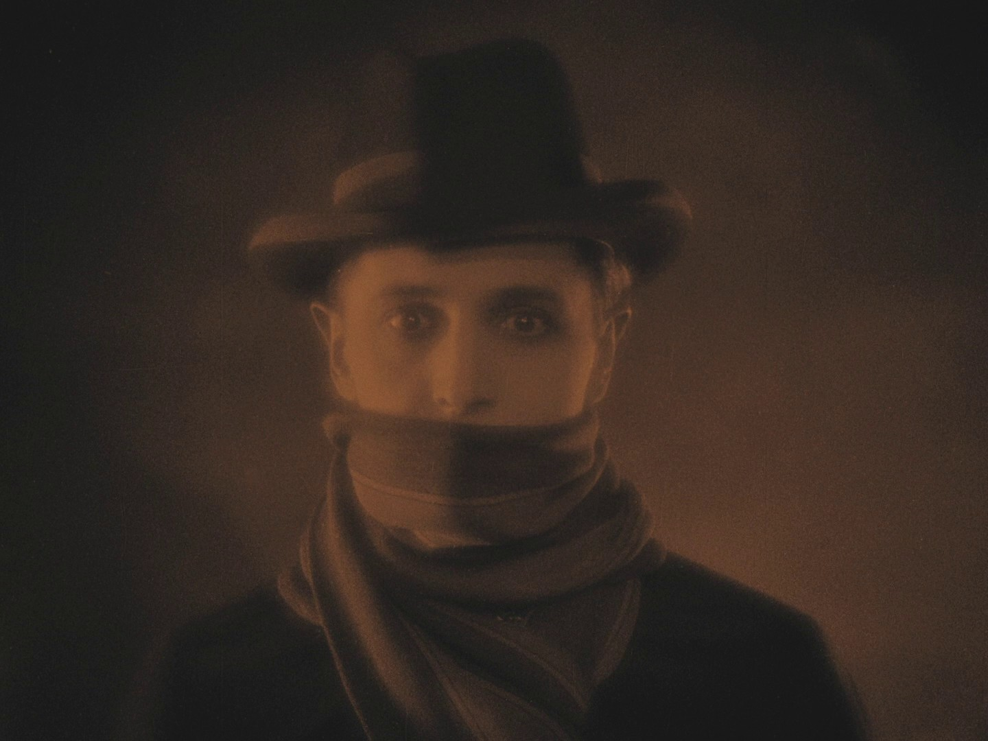 Ivor Novello in The Lodger (1926, dir. Alfred Hitchcock) French Elephant Films Blu-ray screenshot