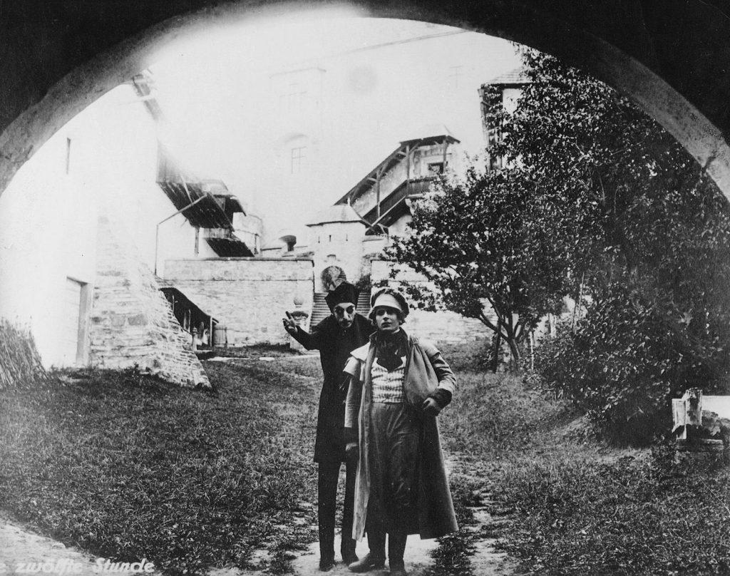 Max Schreck (L) and Gustav von Wangenheim in Nosferatu (1922) aka Die zwölfte Stunde (1930)