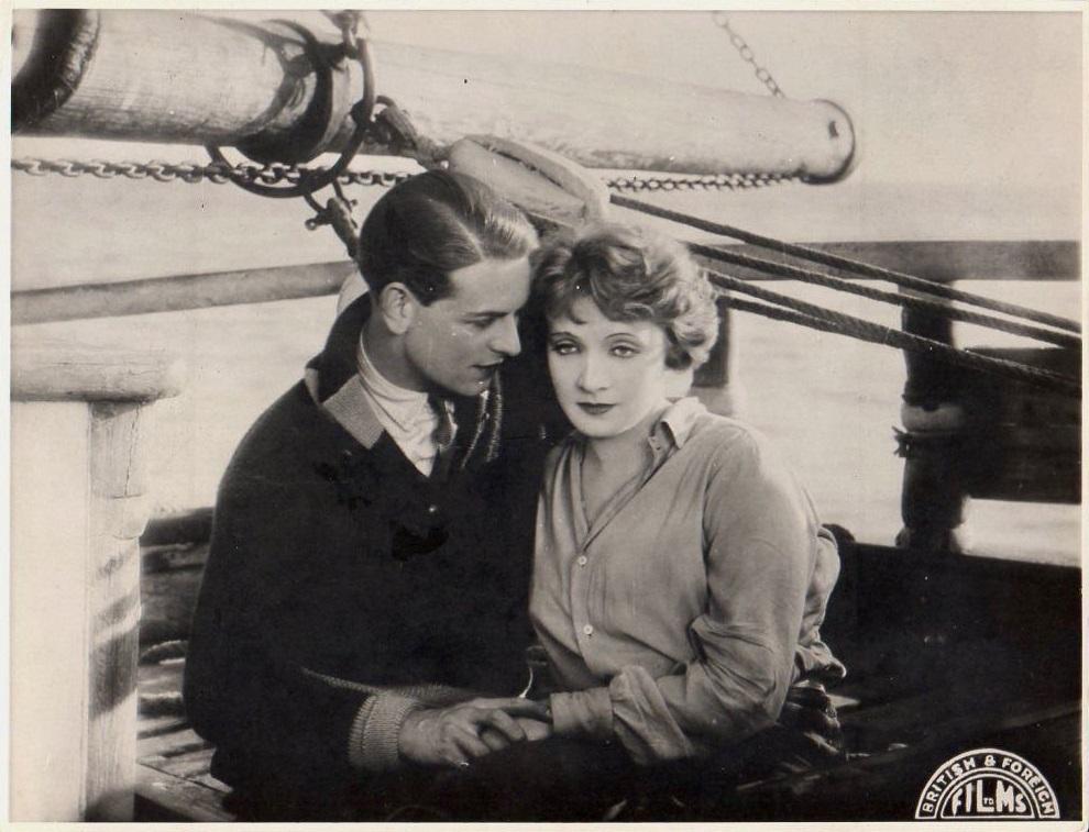 Robin Irvine and Marlene Dietrich in The Ship of Lost Men aka Das Schiff der verlorenen Menschen (1929)