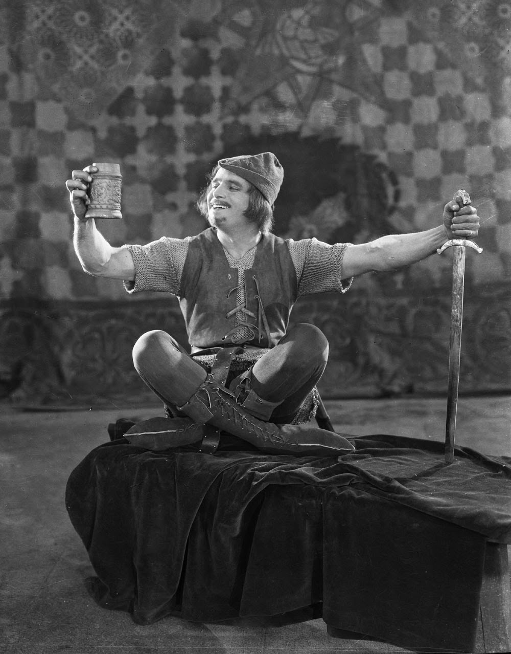 Douglas Fairbanks in Robin Hood (1922) – many of his films suffered at Rohauer's hands. Rohauer, unlike Fairbanks' titular hero, robbed from the poor to feed his ego.